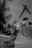 Téléphones sur le vintage noir et blanc Image libre de droits