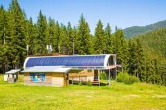 Télésiège Shiligarnik dans Bansko, été de la Bulgarie Photo stock
