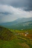 Télésiège vide en montagnes, Pologne photographie stock libre de droits