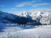 Téléski dans les Alpes italiens photo libre de droits