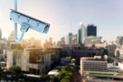 Télévision en circuit fermé de caméra de sécurité dans la ville Image stock