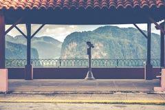 Télescopez ovelooking aux collines vertes de Vinales de vallée du Cuba Photo libre de droits
