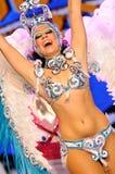 TÉNÉRIFE, 12 FÉVRIER : Groupe dans le carnaval Image libre de droits