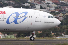 TÉNÉRIFE 1er mai : Avion à décoller 1er mai 2017, Ténérife Image libre de droits