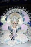 TÉNÉRIFE, LE 11 FÉVRIER : Grand choix pour la reine du carnaval Photos stock