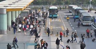 término de autobuses moderno Fotos de archivo libres de regalías
