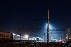 Término do trem e uma luz azul foto de stock royalty free