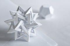 Tétraèdre et dodecahedron faits de papier Image libre de droits