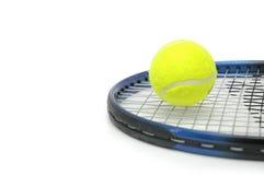 Tênis e esferas isolados Imagens de Stock
