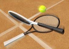 Tênis; raquete; corte de argila do tênis Foto de Stock Royalty Free