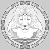 Tête de lion dans le cadre de cercle, dessin noir et blanc Images stock