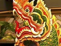 Tête de Naga dans le temple thaïlandais Images stock