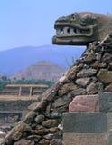 Tête en pierre de serpent Image stock