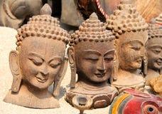 Têtes de Bouddha à un du marché local Images libres de droits