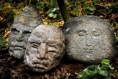 Têtes en pierre Images libres de droits