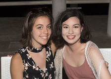 Tía y sobrina antes de la cena Fotografía de archivo libre de regalías