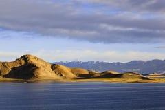 Tíbet: salida del sol del lago del pangong Imagen de archivo