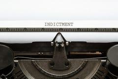 Título de la acusación en el tipo escritor a partir de 1920 s del vintage Imagen de archivo