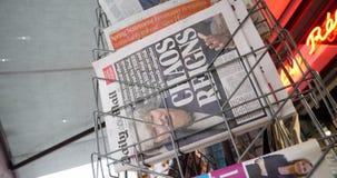 Título de Daily Mail del reinado del caos del periódico de la portada del retraso de Brexit metrajes