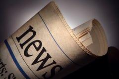 Título del periódico imagenes de archivo