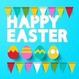 Título feliz de Pascua con los huevos en fondo azul Imagen de archivo libre de regalías