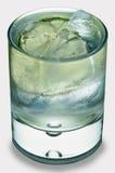Tónico de la ginebra en blanco imagen de archivo