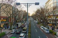 Tóquio, Japão - 26 de janeiro de 2016: Estrada de Omote Sando na noite Foto de Stock