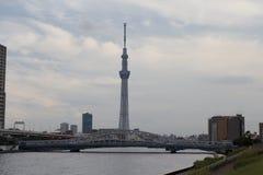 TÓQUIO, JAPÃO - 25 DE MAIO DE 2013: O Tóquio Skytree é um televisi novo Fotografia de Stock Royalty Free
