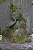 Tóquio, Japão - estátua no jardim do museu de Nezu Imagens de Stock Royalty Free