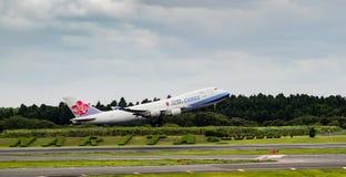 Tóquio, Japão - 08/02/2017: Uma carga Boeing 747 tak de China Airlines Foto de Stock