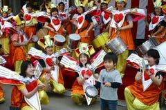 TÓQUIO, NARITA - 10 DE ABRIL: Festival anual de Taiko (cilindro) em Narita, Japão 10 de abril de 2004 Imagens de Stock Royalty Free