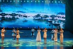 Tórtola-nueva asociación de la música tradicional imagenes de archivo