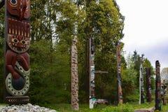 Tótems en Alaska imagen de archivo libre de regalías