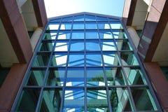 Tödliche Architektur für Vögel Stockbilder