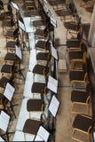 Töm etappen med stolar och musikställningar Top beskådar Fotografering för Bildbyråer