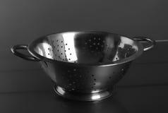 Töm rostfri metall för siktfiltert med handtag Royaltyfri Foto