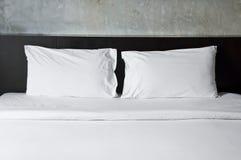 Töm säng. Arkivbild