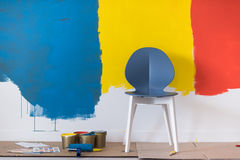 Töm stol och utrustning för att måla fotografering för bildbyråer