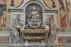Túmulo de Galileo Galilei em di Santa Croce da basílica, Florença Imagem de Stock Royalty Free