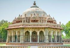 Túmulo de Isa Khan em Nova Deli foto de stock royalty free