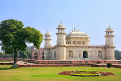 Túmulo de Itimad-ud-Daulah em Agra, Uttar Pradesh, Índia imagens de stock