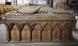 Túmulo de William Longspee na catedral de Salisbúria imagens de stock
