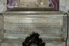 Túmulo do poeta de Dante Alighieri Italian em Ravenna foto de stock