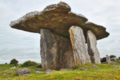 Túmulo do portal de Poulnabrone Imagem de Stock