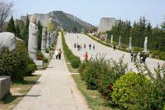 Túmulos da dinastia de Ming fotografia de stock royalty free