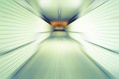Túnel abstrato na estação de metro no movimento Imagem de Stock Royalty Free