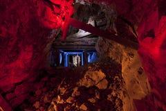 Túnel colorido da mina de ouro Fotos de Stock