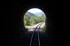 Túnel de ferrocarril en las montañas Fotos de archivo libres de regalías
