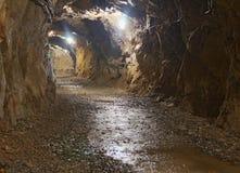 Túnel de la explotación minera de subterráneo Fotos de archivo libres de regalías