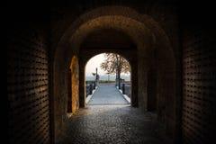 Túnel de la fortaleza foto de archivo